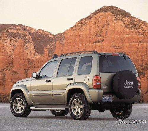 是典型的吉普特征.jeep自由人外形上具有城市化的休闲倾向,高清图片